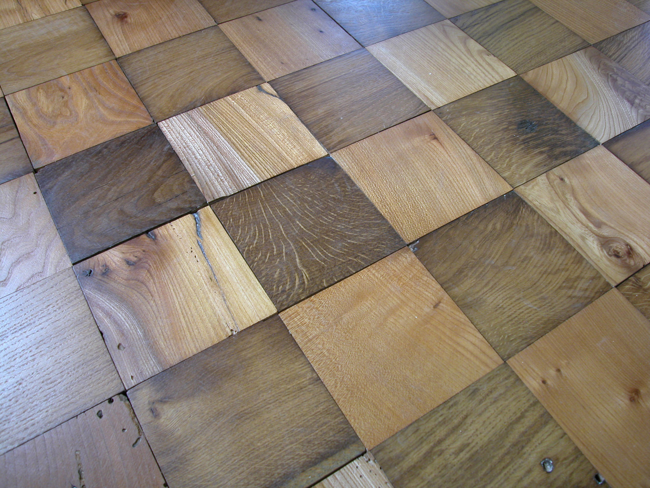 Wooden flooring, Finished Oak and Elm Blocks